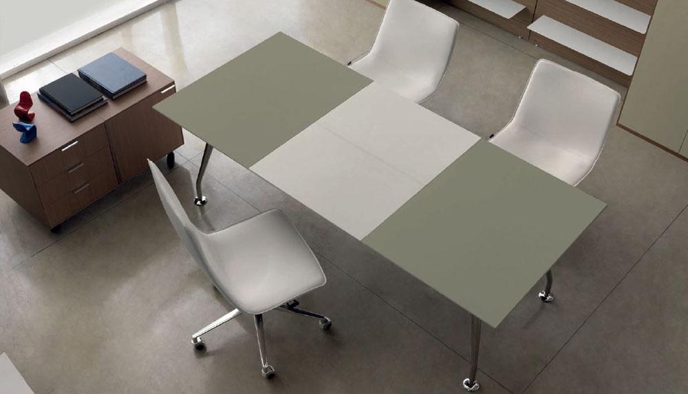 bureaux de direction bureau cuir bicolore et chrome. Black Bedroom Furniture Sets. Home Design Ideas