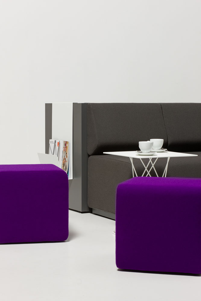 poufs et bancs pouf team mobilier de bureau entr e principale. Black Bedroom Furniture Sets. Home Design Ideas