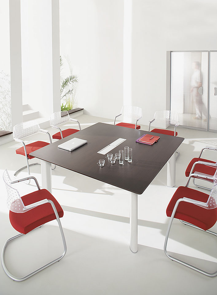 Tables de r union table de r union carr e 8 personnes for Mobilier bureau 4 personnes
