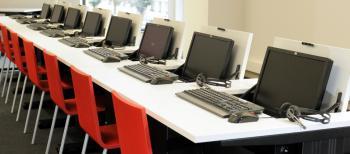 Tables informatiques hauteur réglable