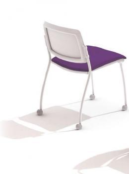 Chaise 4 roulettes dossier résille blanc