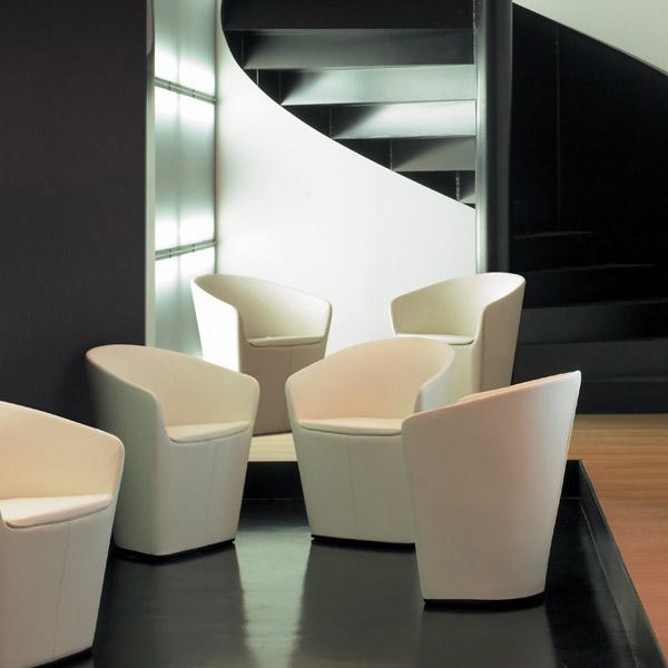 chauffeuses design fauteuil design brandy mobilier de bureau entr e principale. Black Bedroom Furniture Sets. Home Design Ideas