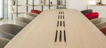 Table de Réunion True Design en Bois Massif 450